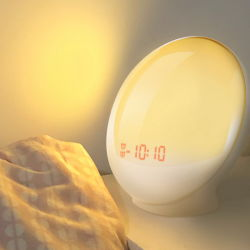Svegliare la sveglia radiofonica chiara di alba il LED Digital con la radio di FM