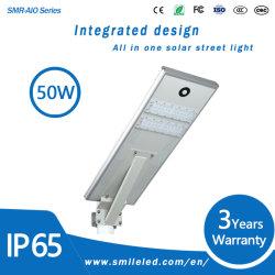 Tudo em Um LED Solar Luz Rua 50 Watt Piscina Luz Multifunção para auto-estrada