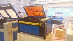 小型5030 50Wファブリックレーザーの彫版の打抜き機