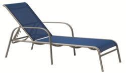 Venda por grosso Pátio Exterior Jardim Piscina alumínio metálico de vime plástico dobra de vime salão ao sol numa espreguiçadeira Chaise Sofá-Cama Espinha Areia Lazer cadeira de praia