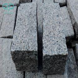 Paracarro, paracarro grigio, paracarro del granito, mattonelle di pietra