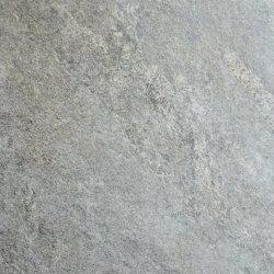 Декоративное оформление камня в саду пол асфальтирование парковки точильного камня