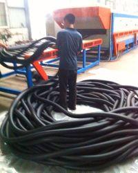 Aire acondicionado NBR Cooper flexible de caucho del tubo/tubo de aislamiento de la máquina extrusora