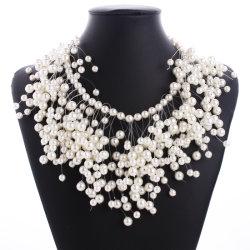Haut de la conception de gros de mode féminine colliers Accessoires Bijoux exagérées Pearl Collier en couches de la mode