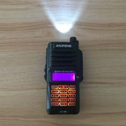 Approbation Ce portable imperméable Talkie Walkie UV-9R 8W à double bande interphone