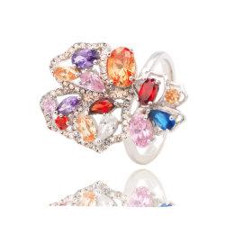 贅沢で多彩なジルコンの水晶リングのロマンチックな約束デザイン方法リングの結婚式の宝石類