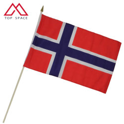 Норвегия баннер стороны развевается встряхивания полиэстера с флагом деревянный столб