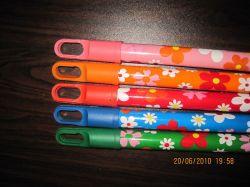 Manípulo de madeira no design das Flores
