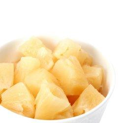 Les ananas en conserve des morceaux avec une haute qualité