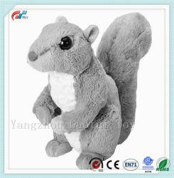 푹신한 테일을%s 가진 귀여운 연약한 채워진 다람쥐 장난감
