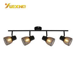 مكواة صناعية LED سوداء خطية بزاوية قابلة للضبط مُثبَّتة بالسطح E14 تصميم ضوء موضع الجنزير