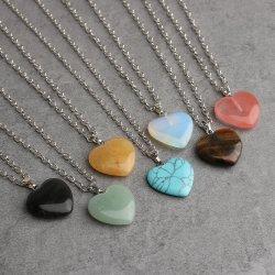Collier de pierres naturelles de la magie de la santé du coeur de cristal de quartz de pierre de guérison