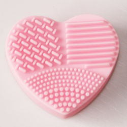 Forma de corazón limpiar los cepillos cepillo guante de silicona de lavado de utensilios de limpieza Limpieza de cara Messager