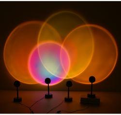 O Projector de caducidade Night Light Iluminação Decorativa para Casa Sol Quente Fonte de luz LED de arco-íris por USB fácil instalação