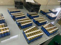 Capacité élevée 12V 12,8V 12Ah Batterie LiFePO4 batterie rechargeable au lithium Phosphate Lron Batterie au lithium pour alimentation d'urgence de l'ONDULEUR