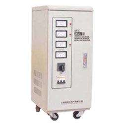 1500 va servomoteur monophasé pour les textiles de l'équipement d'AVR de haute précision SVC du régulateur de tension automatique de l'AC
