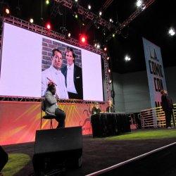 熱い販売RGB P10の屋内舞台の背景ショー広告する巨大なLED TVのよい価格