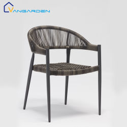 新しいデザイン屋外の庭のハンドメイドアルミニウムによって編まれる藤の柳細工の食事の椅子