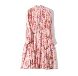 100%の絹のジョーゼットの長い服。 100%の絹の服装