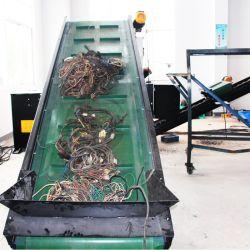 Les déchets de cuivre sur le fil machine de dénudage de fil machine de recyclage//Câble/rebut de la machine Pince à dénuder le fil de cuivre Recyclage concasseur de ligne/Câble/concasseur de fil de cuivre