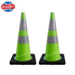 La construction de routes en PVC réfléchissant PE trafic cône Base noire