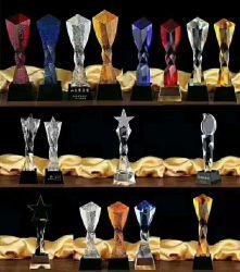 Réalisation d'entreprise de gros de la reconnaissance d'affaires 3D-cadeau en verre personnalisé facette Prix vierge K9 et le trophée de cristal