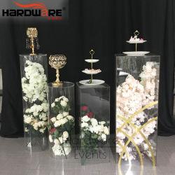 明確なアクリルの物質的な結婚式の装飾の花立場デザイン