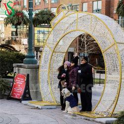 Dekoration-Bogen-Licht-Winter-Festival des Weihnachten2021 zeigt im Freienbeleuchtung an