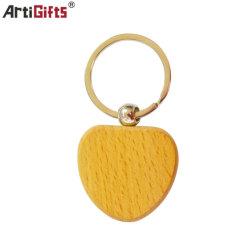 L'anello portachiavi di legno con progetta il marchio per il cliente
