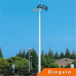 La iluminación del mástil de 18m de altura con lámpara de sodio de 400W