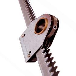 Le petit pignon à denture hélicoïdale en acier de précision Boîte de vitesses en rack avec trous pour l'engrenage de la porte coulissante Rack industriel fabricant