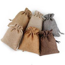 Promotion petit tissu de toile de jute Emballage Cadeau léger des sacs-cadeaux pour les clients partie désherbage Anniversaire Noël Santa Sack.