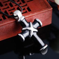 Os fabricantes de jóias de Comércio Exterior Christian são dons de Jesus da cruz os homens de aço titânio Colar