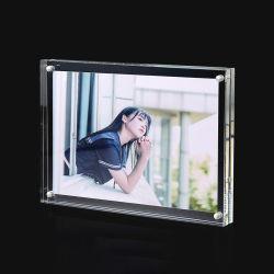 Les fabricants de gros Cadre Photo d'anniversaire de création de l'Acrylique Crystal image acrylique stand personnalisé