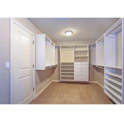 Habitación de lujo en el armario ropero de madera Bandeja de almacenamiento multimedia