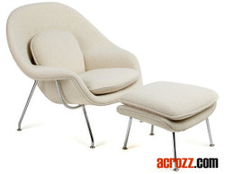 Eero Saarinenの子宮のLoungerの椅子