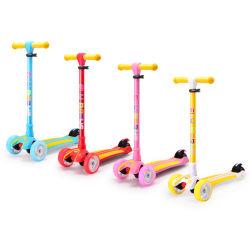 Tri Aufleuchten-Räder des Rad-Stoß-Roller-LED, faltbare, justierbare Griffe