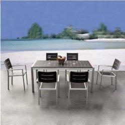 Le roi d'un patio Nouveau design Table à manger en acier inoxydable fixée pour patio extérieur jardin en terrasse/patio rotin Ensembles de salle à manger pour Outdoor Poly Table et chaise de meubles en bois