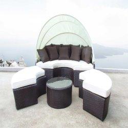最新の現代デザイナー屋外の藤か柳細工の流行の庭のテラスの寝台兼用の長椅子
