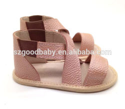 赤ん坊の柔らかい革幼児幼児のための方法夏の赤ん坊のサンダルの平らなサンダル