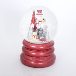 2019 Nieuwe Home Decor Gift Custom Resin Glass Christmas Snow Globe With Music