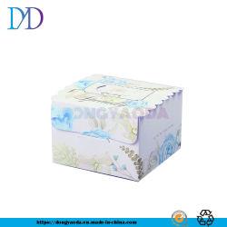 多機能のアダプター、紙箱、食品包装ボックス、白いボール紙のギフト用の箱