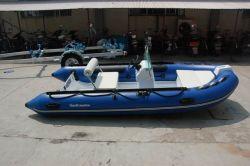 PVCによってなされる着色された堅く膨脹可能なボートRib390