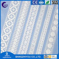 Computer-Stickerei-Höhlung-Barcode-Spitze-weiße Qualität DIY steuern Textilvorhang-Bekleidungszubehör automatisch an