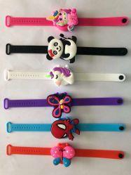 手のSanitizerの腕時計手の洗浄液体腕時計