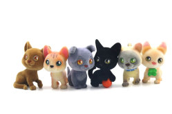 OEM cute PVC Collectible Flock Cat Miniature Animal Figurines Toy Fabricante