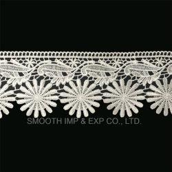 In water oplosbare Stof van de Toebehoren van de Kleding van het Kant van het Borduurwerk van de manier de Witte Textiel