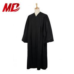 Les membres du clergé de gros de vêtements de l'église des robes de chambre/