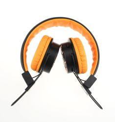 TFのカードおよびFMサポートとの無線BluetoothのヘッドホーンのBluetoothのヘッドホーンOEMの方法デザイン