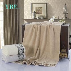 ホテルの供給によってカスタマイズされる白いしまのある綿のビーチタオル